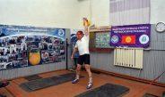 Кыргызстанский спортсмен 2018 раз поднял гирю весом 16 кг