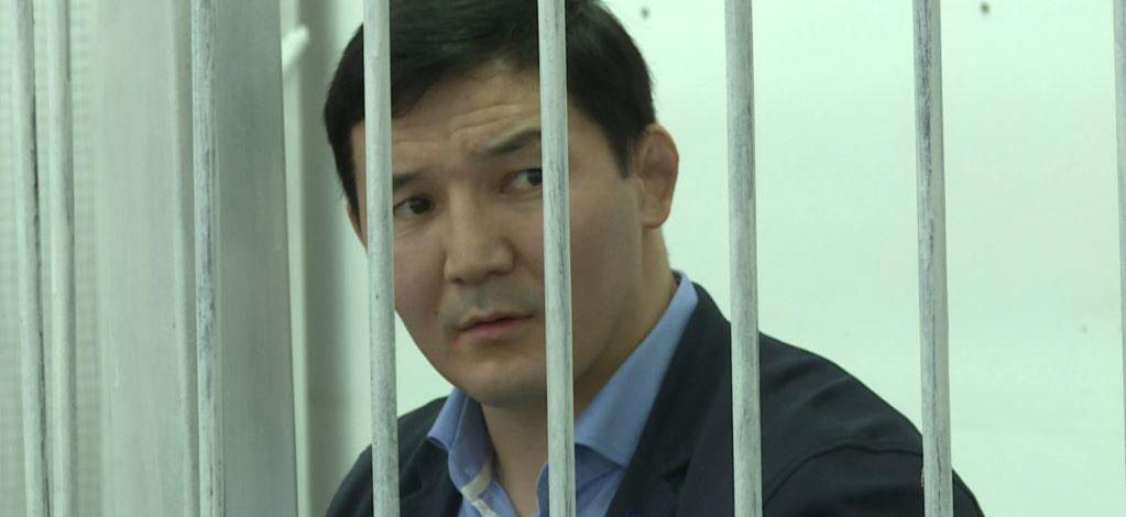 Экс-депутата Жогорку Кенеша Дамирбека Асылбек уулу осудили на 10 лет