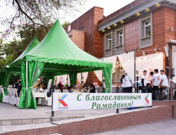 В Бишкеке стартовал «Шатер Рамазана»: Открыт пункт приема помощи!