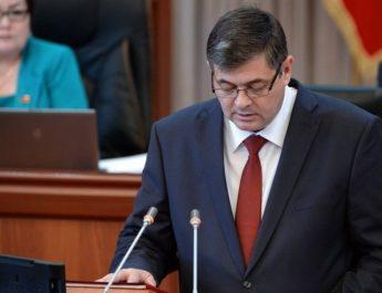 Министр экономики КР Олег Панкратов подал в отставку