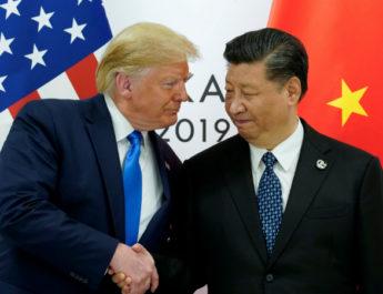 Трамп предложил Си Цзиньпину обсудить протесты в Гонконге