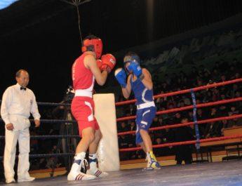 Чемпионате Азии среди школьников: Боксеры из Кыргызстана завоевали три бронзы на