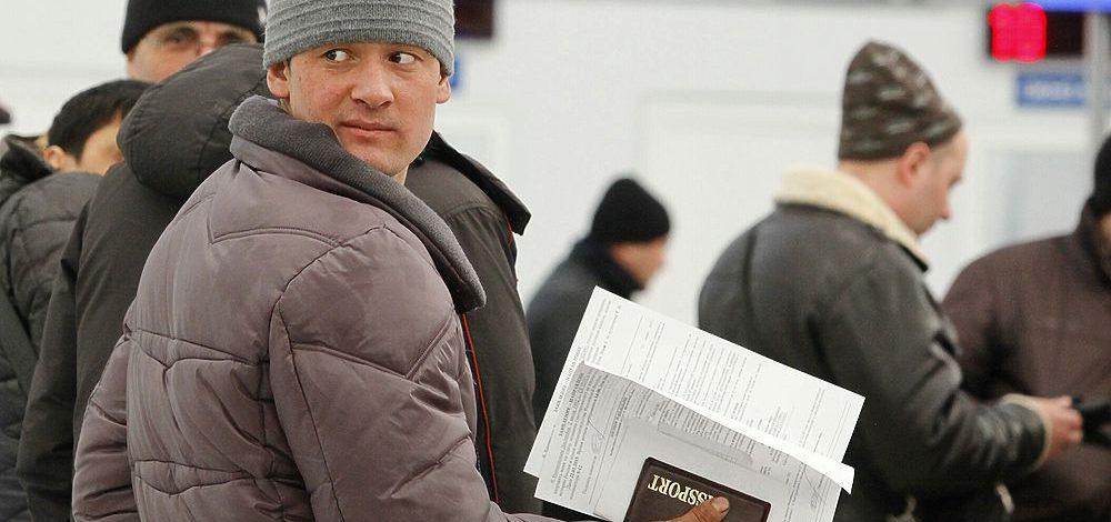 Гражданам Узбекистана разрешат находиться в России без регистрации до 15 дней