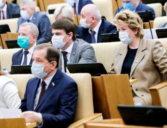 Депутатов Госдумы проверяют на иностранное гражданство