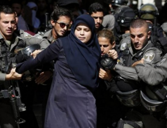Полиция сионистского режима выгнала палестинцев из мечети Аль-Акса