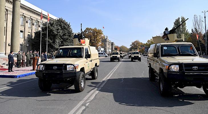 Погранслужбе ГКНБ КР передали 40 единиц новой военной техники